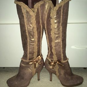 Shoes - Gorgeous women's tall shimmer boots 9.5